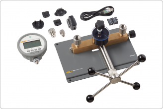 Accessories included with the P5514B Hydraulic Comparison Test Pump