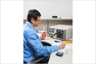 5128A RHapid-Cal® Humidity Generator used in the calibration laboratory