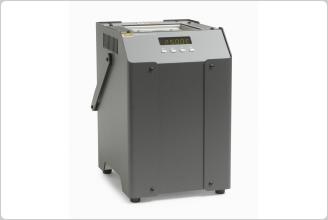 7103 Micro-Bath Thermometer Calibrators