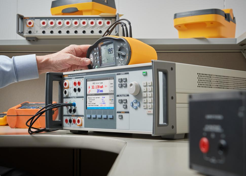 Electrical Tester Calibrator by Fluke - The 5322A